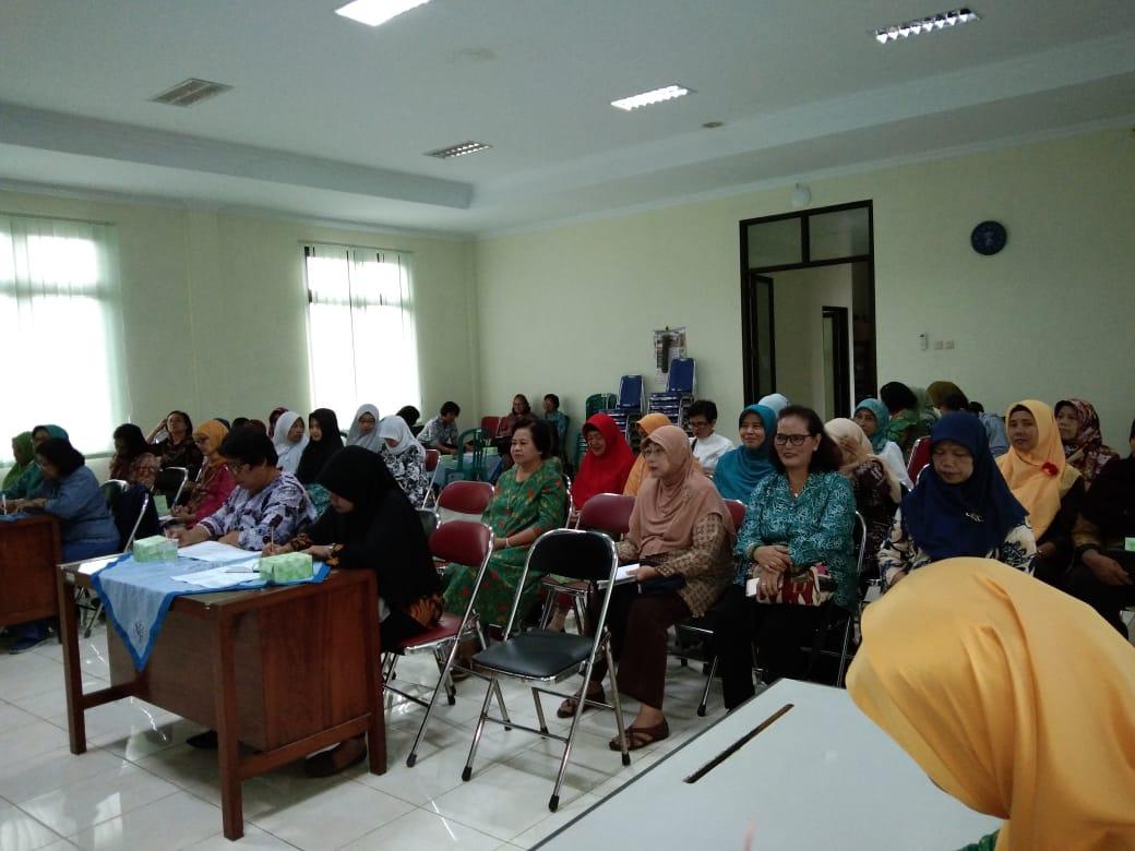 Pertemuan Rutin PKK Kelurahan Baciro, Kamis, 14-02-2018